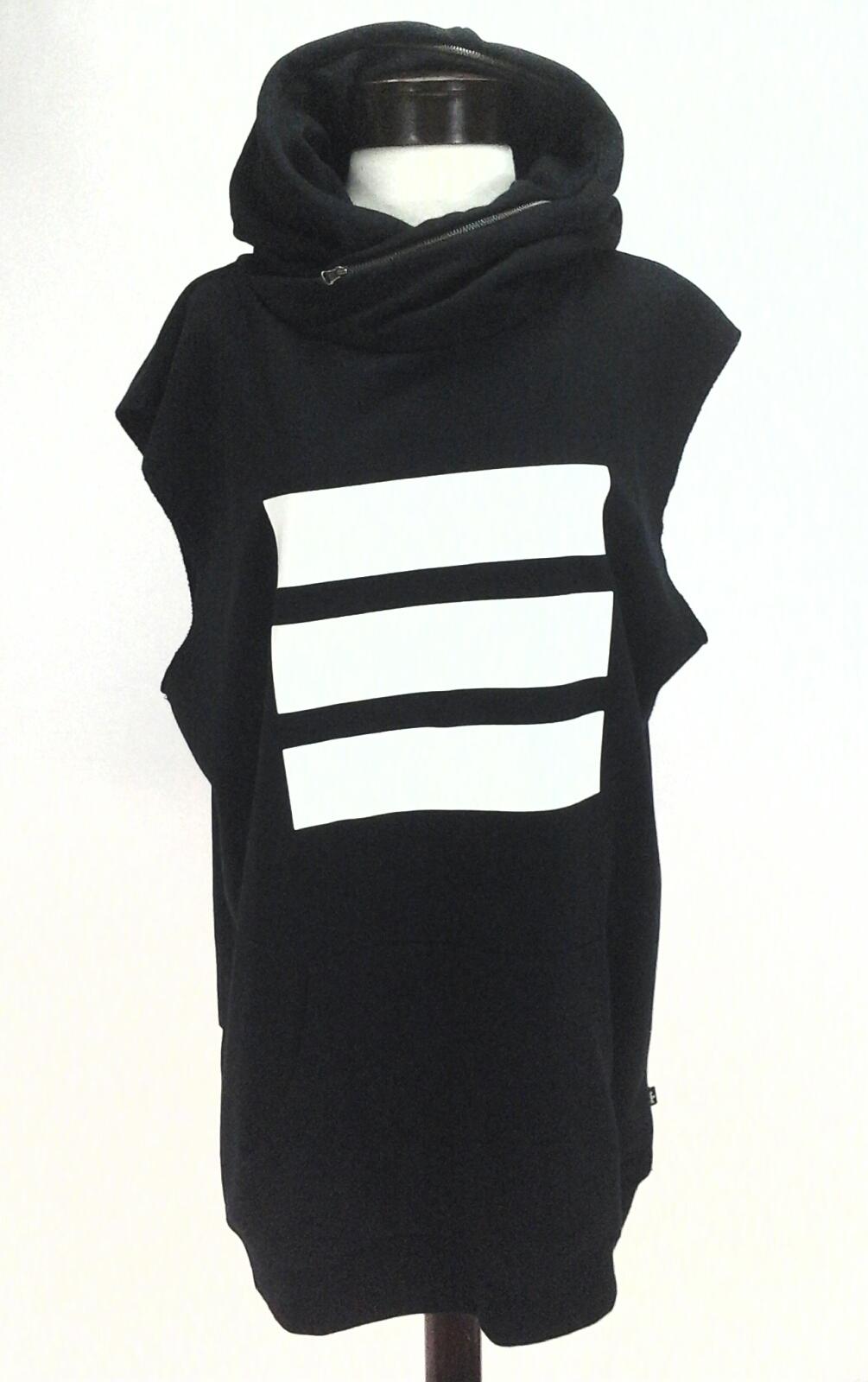 5fa57aaaab600 Black And White Striped Sweatshirts - BCD Tofu House