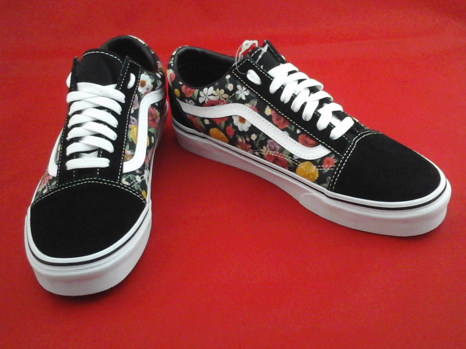 bd07036f2b VANS Shoes Black Roses Floral Old Skool Skate Unisex Mens 9 Womens 10.5 New